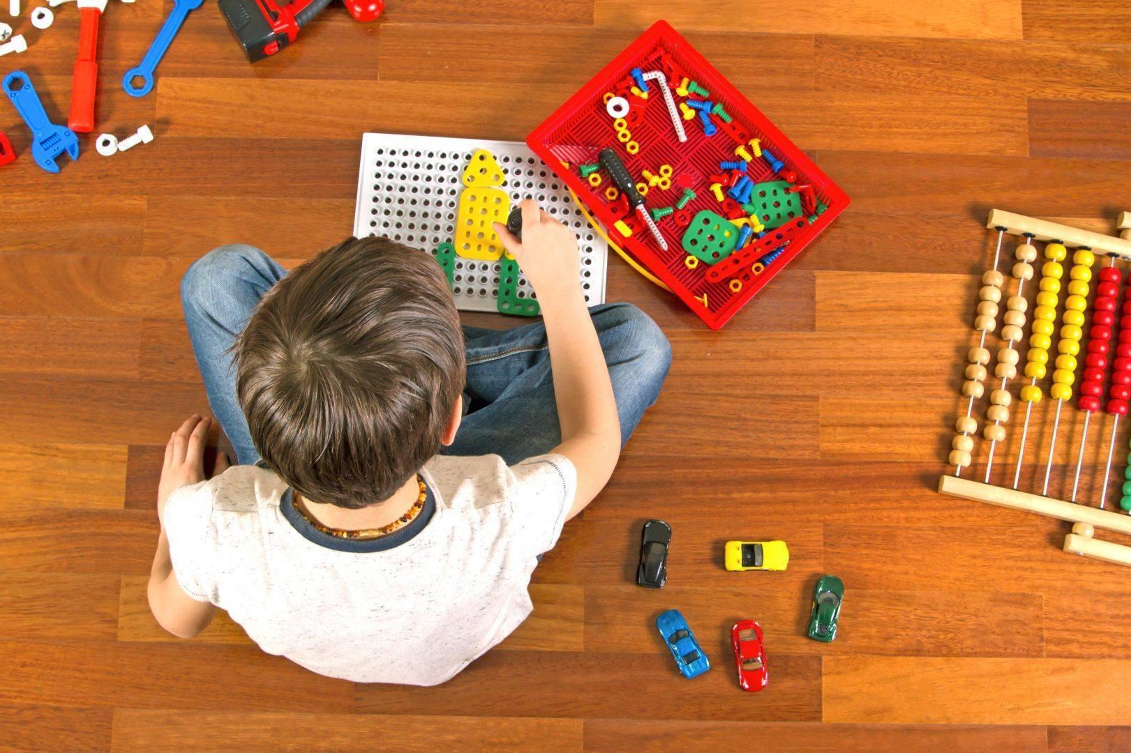 Как научить ребёнка играть самостоятельно? 6 способов. как научить ребенка играть с детьми