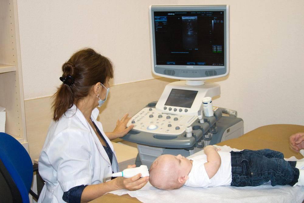 Нейросонография: что это такое, виды нсг (транскранеальная, с допплерографией), расшифровка результатов протокола узи головного мозга у новорожденных, таблица нормы, до какого возраста делается, противопоказания, цена