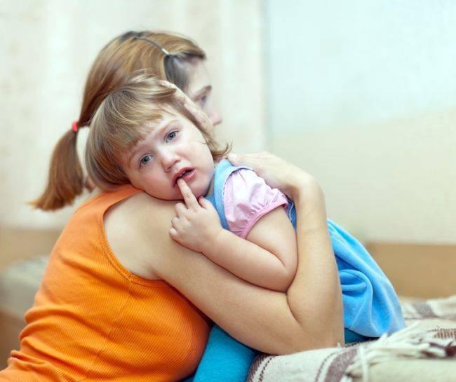 Как маме снять испуг у ребенка самостоятельно — выливание на воске в домашних условиях