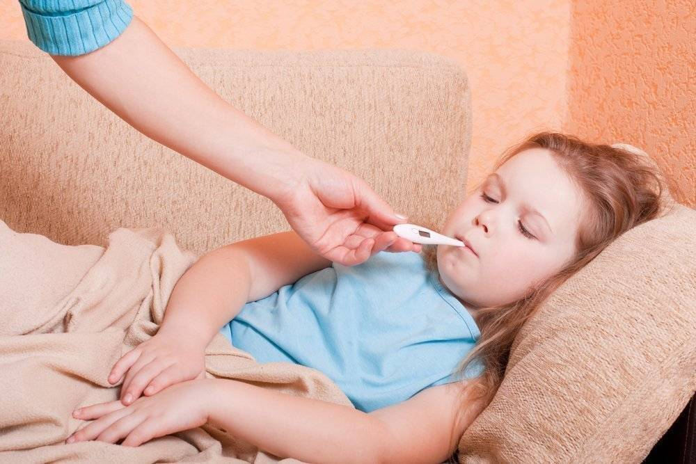 Почему у ребенка может быть рвота, понос и температура