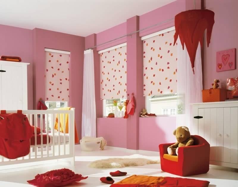 Как выбрать дизайн штор в детскую комнату для мальчика и девочки, лучшие идеи