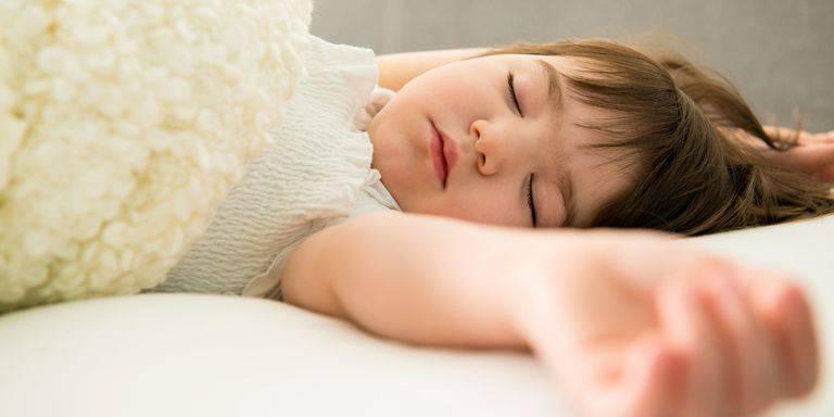 Судороги у детей. страшно, но не всегда опасно - первая помощь
