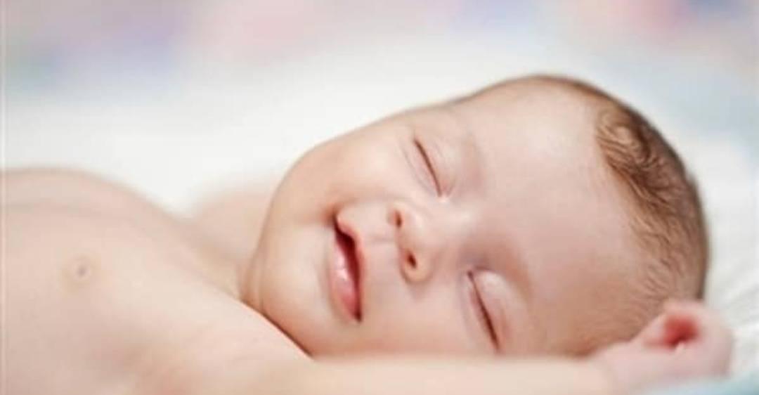 Почему новорожденный часто и тяжело дышит во сне