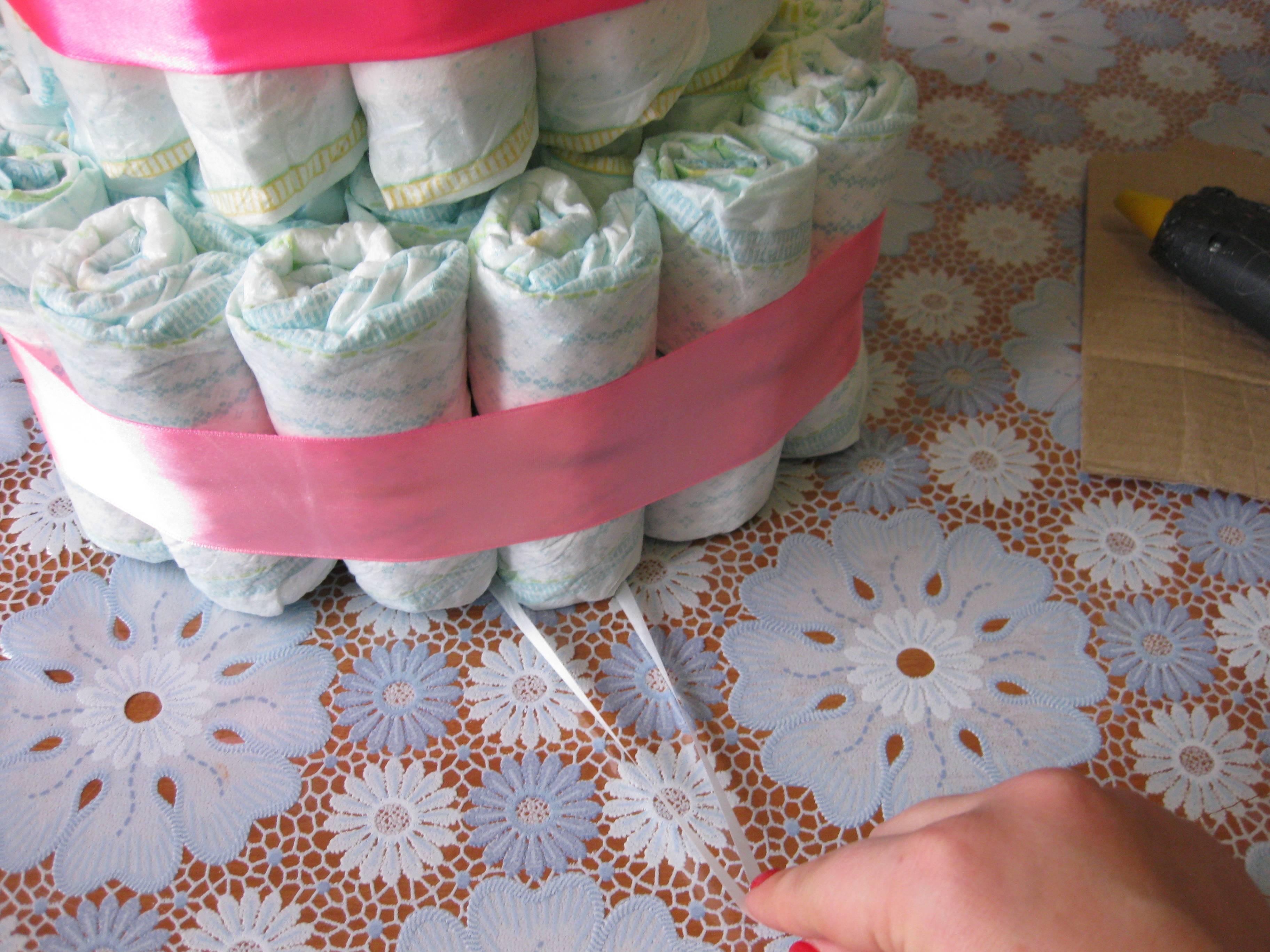 Торт из памперсов своими руками (девочке, мальчику): пошаговое фото, мастер-класс | своими руками | vpolozhenii.com