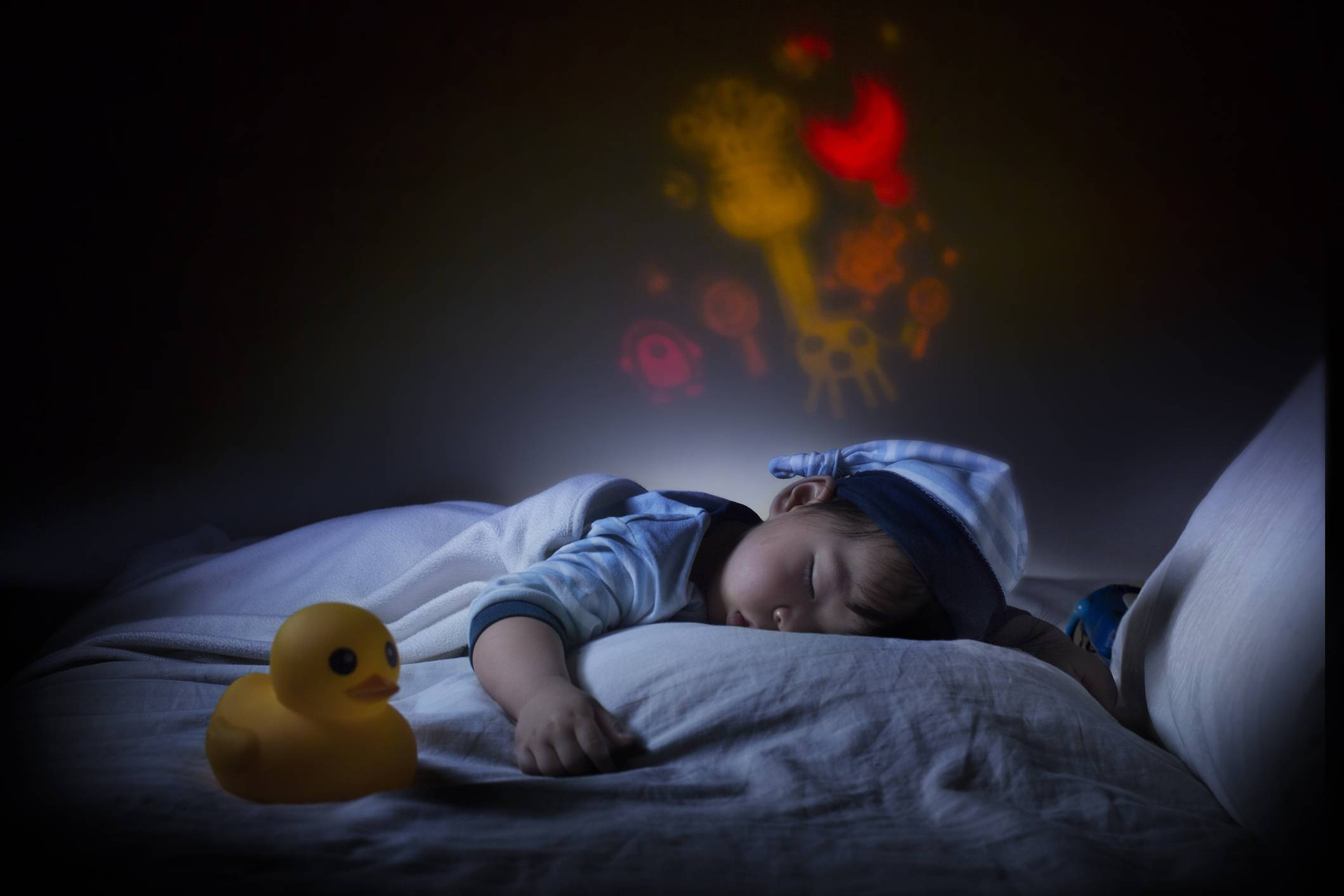 Ребенок плохо спит в 4 месяца: что делать маме?