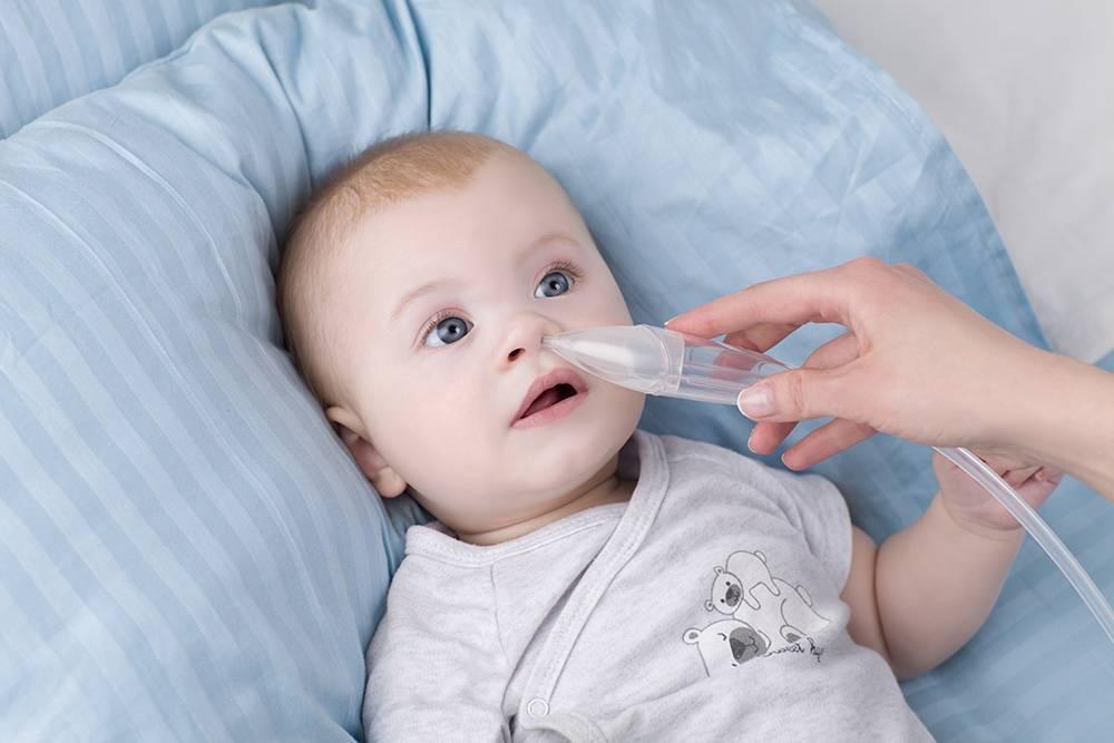 Грудничок часто чихает, новорожденный чихнул, причины