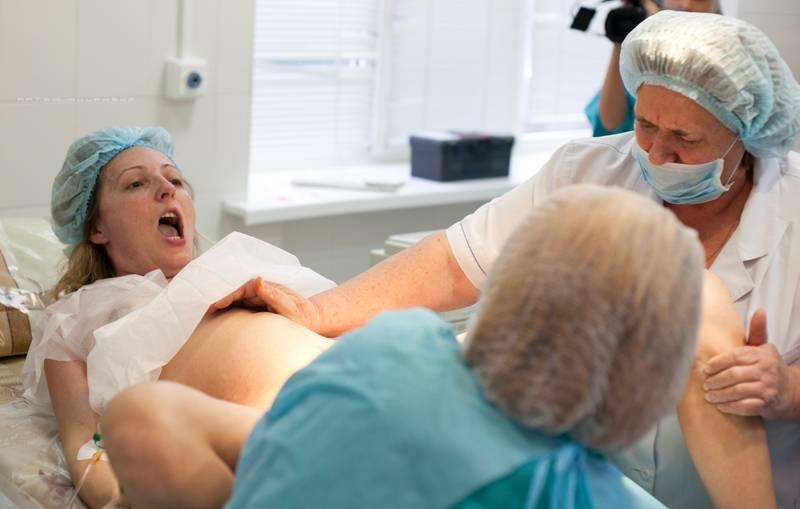 Беременность и роды в 44 года: мнение врача