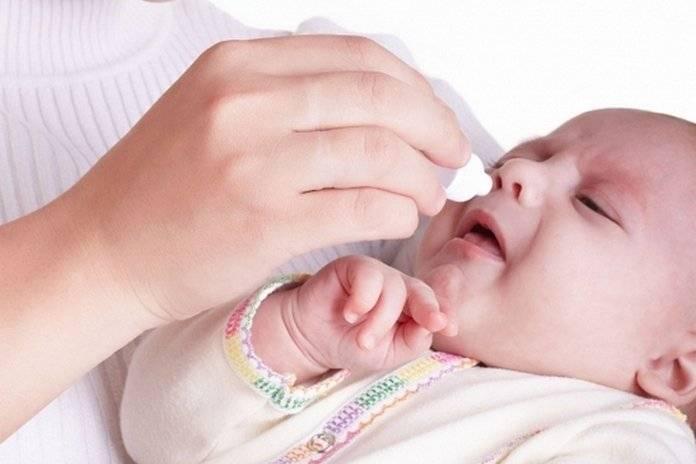 Возможные причины заложенности носа у грудничков: как избавиться от насморка