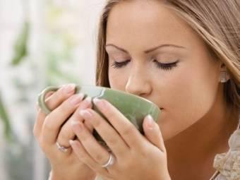 Ромашка при грудном вскармливании: можно ли пить ромашковый чай кормящей маме?