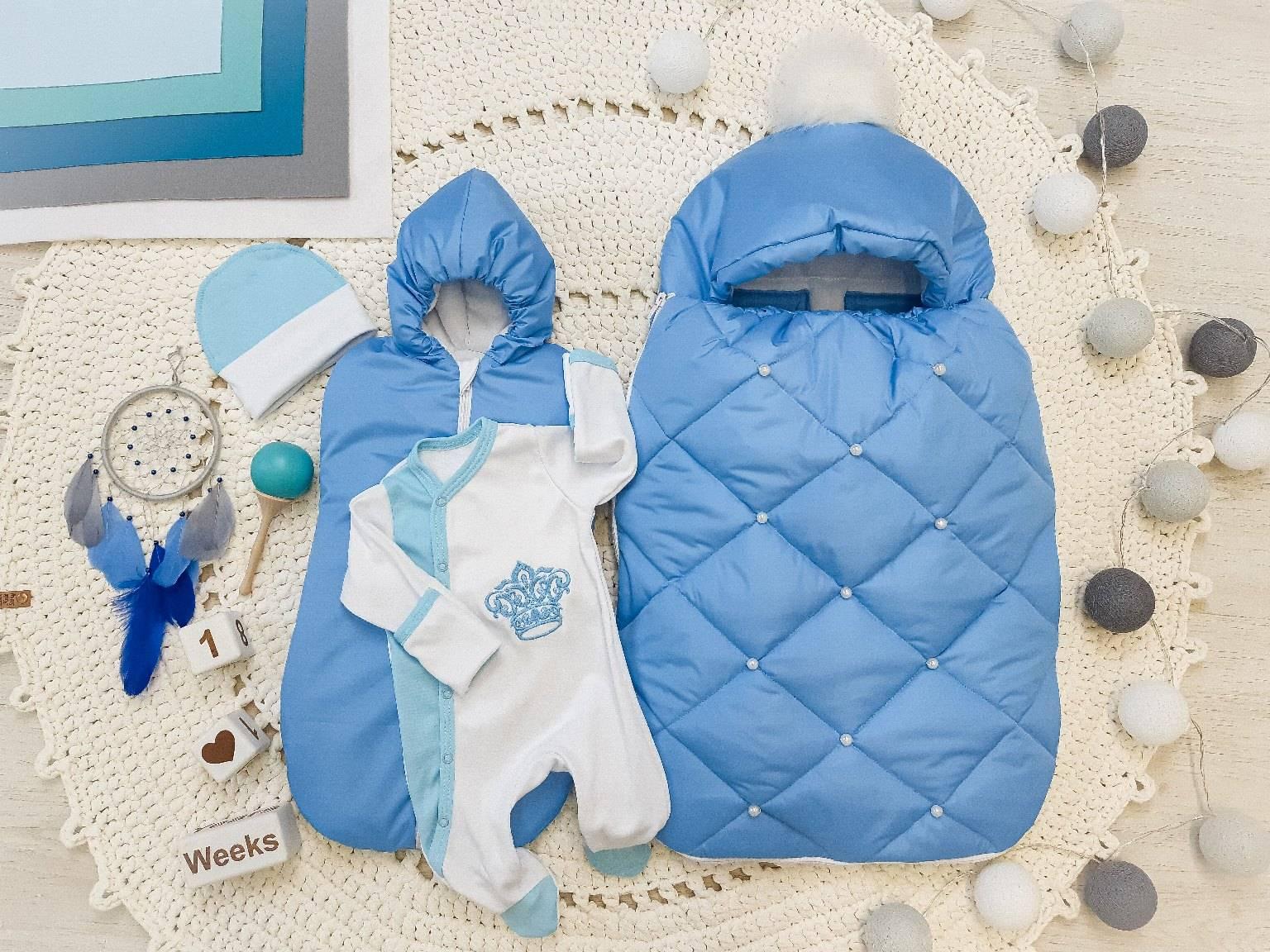 Как нужно одевать младенца на выписку летом, весной, зимой, осенью