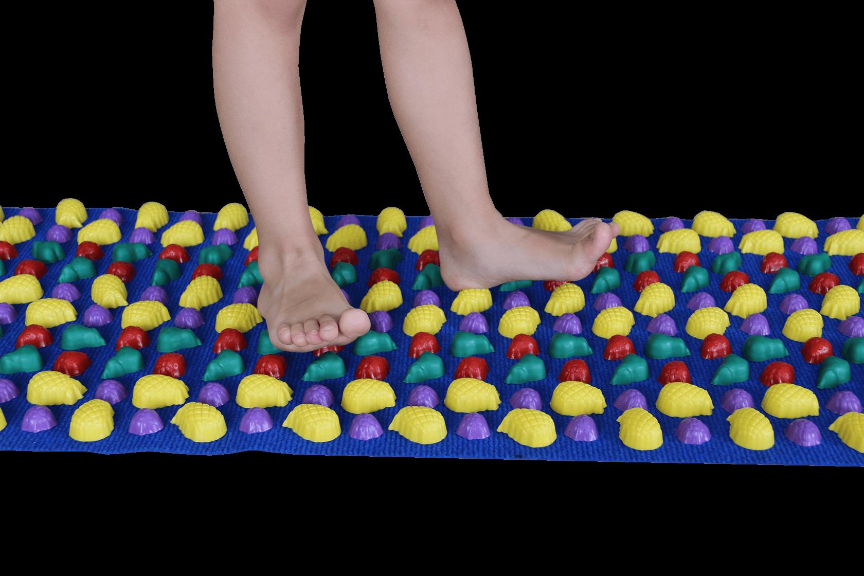 Ортопедический коврик для детей от плоскостопия: помогает или нет?