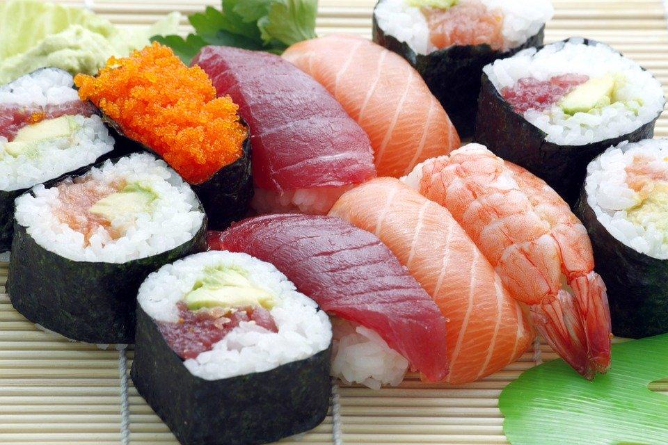 Можно ли суши кормящей маме?