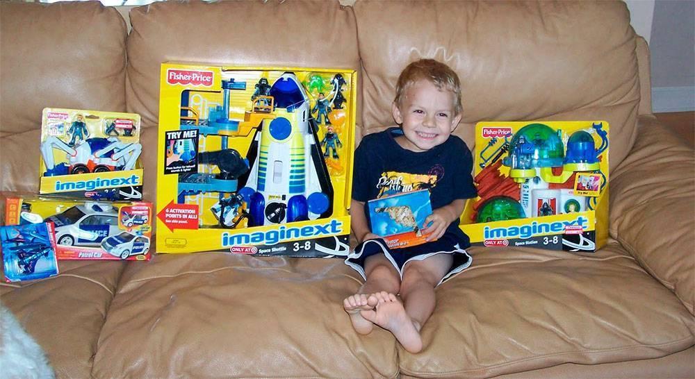 Что подарить мальчику на 3 года - 20 идей