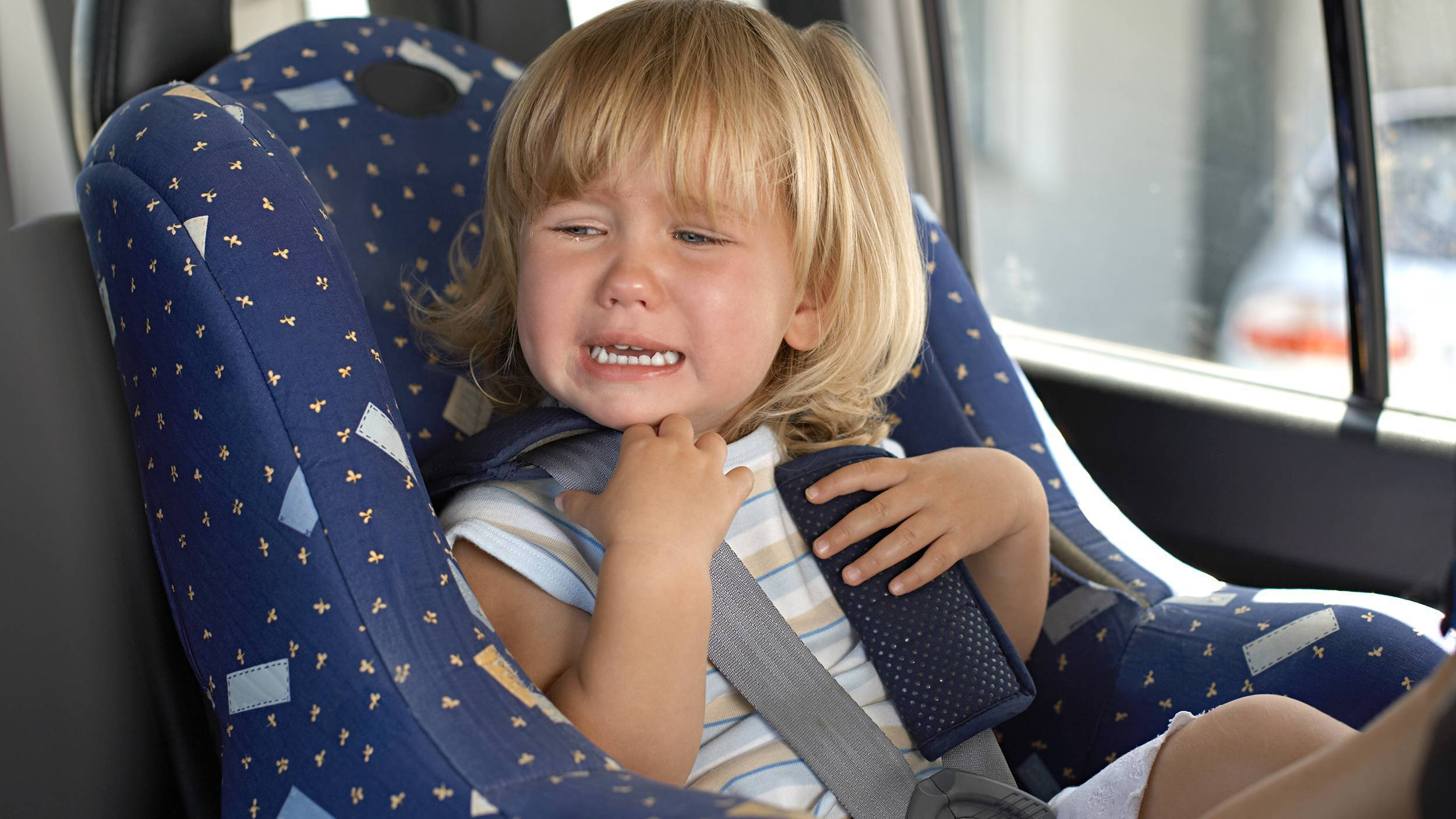 Что делать, ели ребенка укачивает в машине