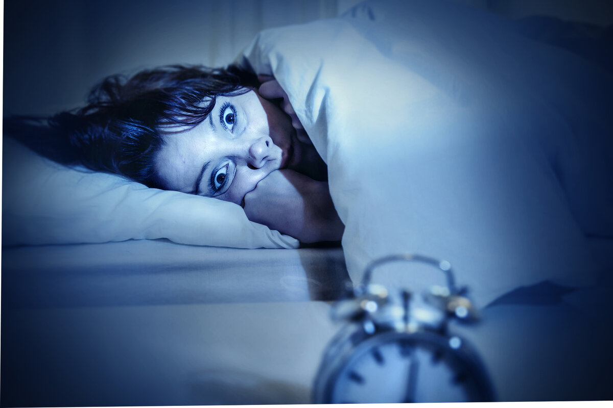 Почему ребенок часто просыпается ночью с истерикой, плачет, кричит