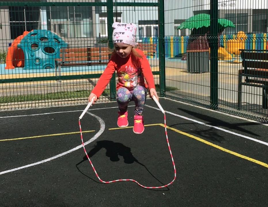Скоростная скакалка гимнастические упражнения для ног и ягодиц