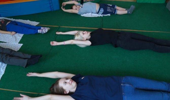 Упражнения лфк при сколиозе у детей и гимнастика в домашних условиях