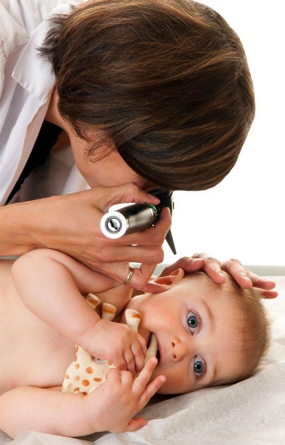 Как правильно чистить уши ребенку до года и старше от серы и других загрязнений?   гигиена   vpolozhenii.com