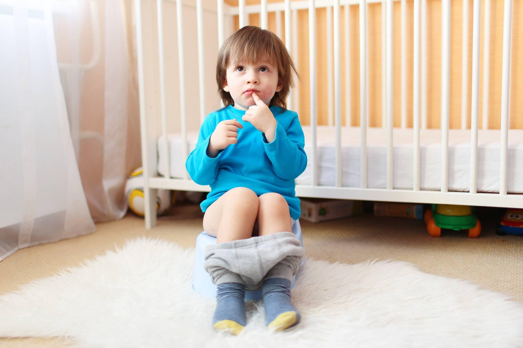 Психологический запор у ребенка 2,3,4 года - что делать и как лечить