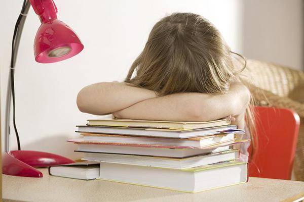 Ребёнок не хочет учиться, делать домашнее задание: что делать