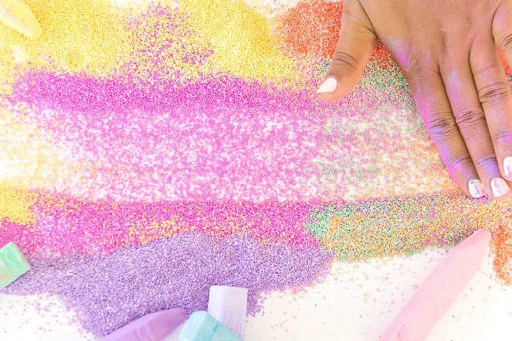 Как покрасить кварцевый песок в домашних условиях?