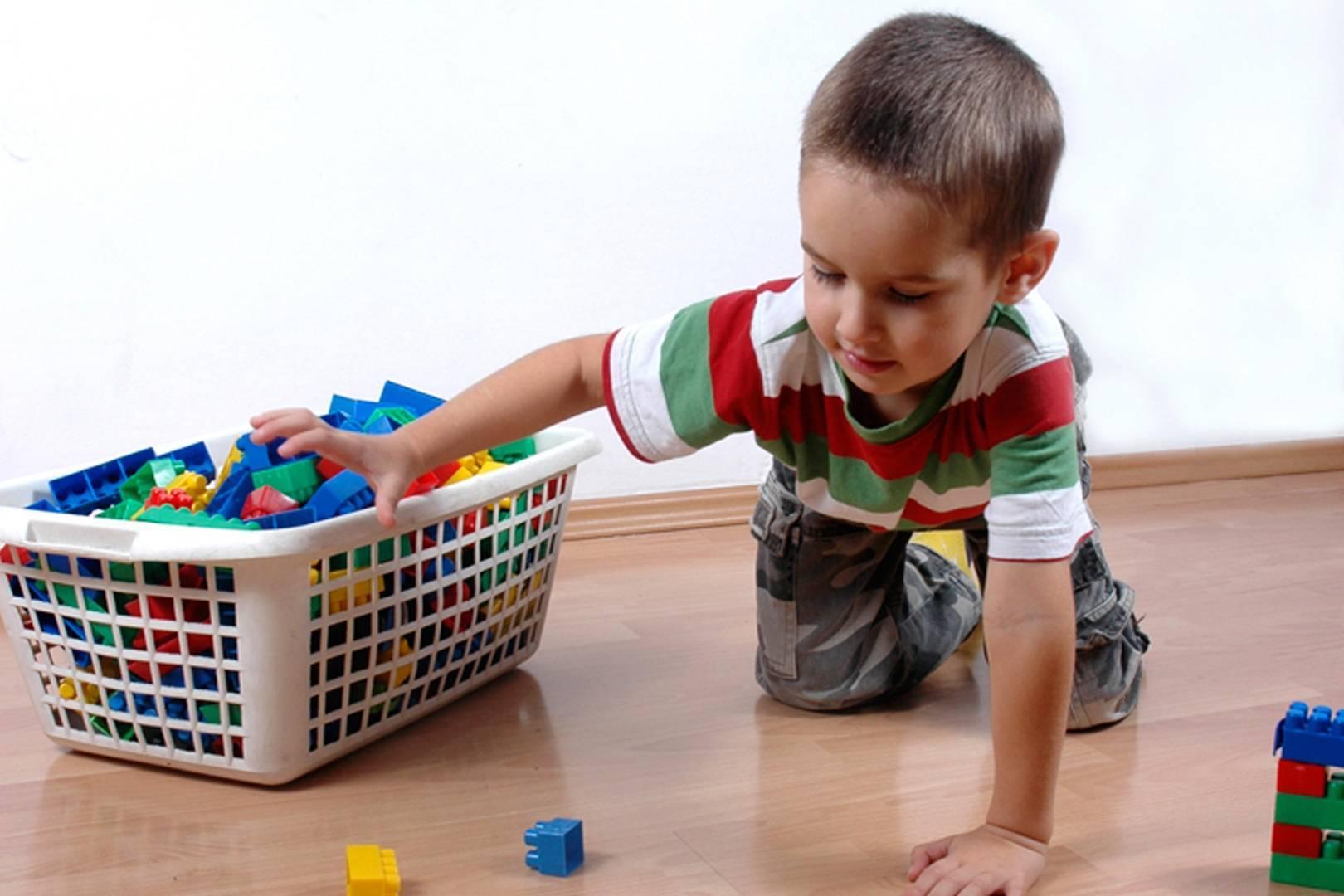 Как приучить ребёнка к порядку и как научить его убирать игрушки?
