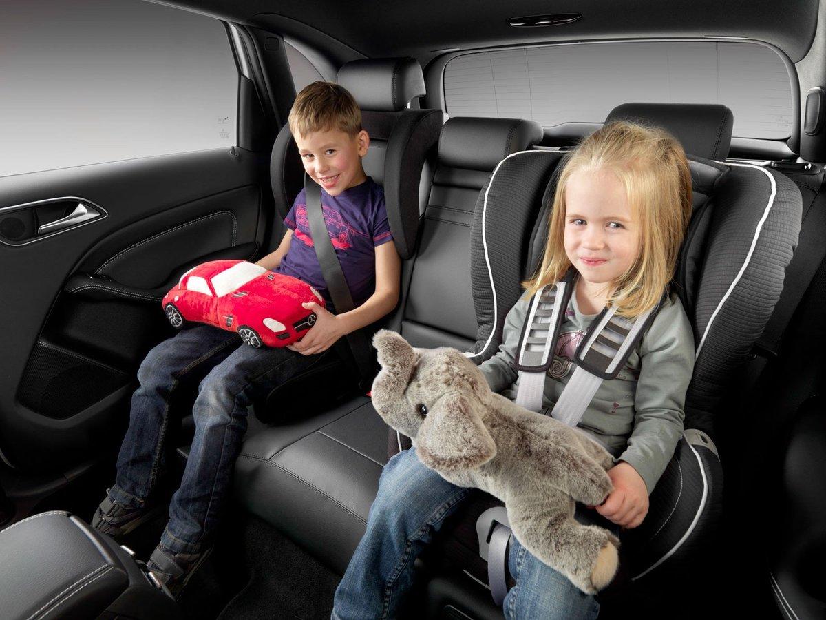 Нужно ли автокресло с. с какого возраста можно перевозить ребенка в бескаркасном автомобильном кресле и нужно ли: все «за и против