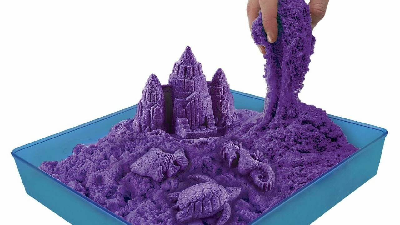 Чем отличается кинетический, космический и живой песок, что лучше выбрать, отличия и как играть