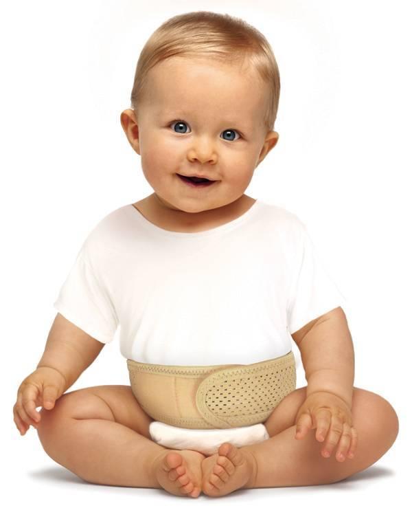 Бандаж для пупочной грыжи для новорожденных детей - как выбрать корректирующий пояс для грудничка?