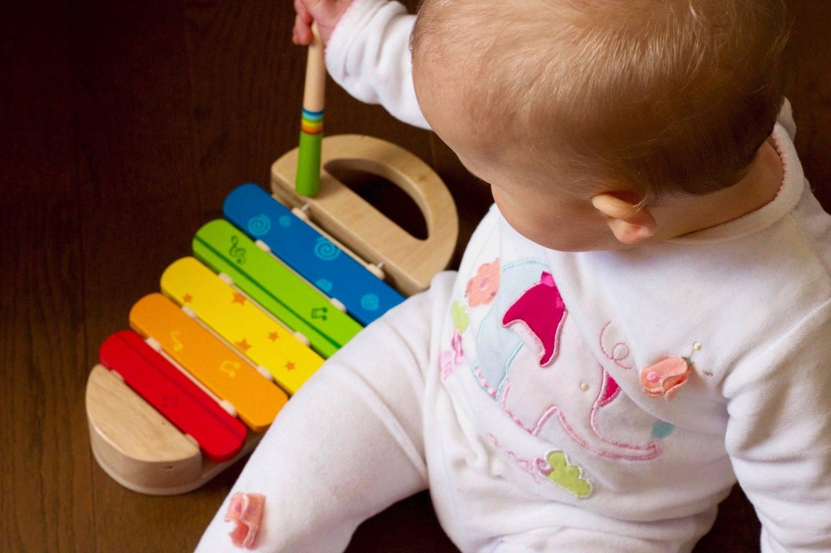 Как научить ребенка различать цвета и в каком возрасте? — teletype