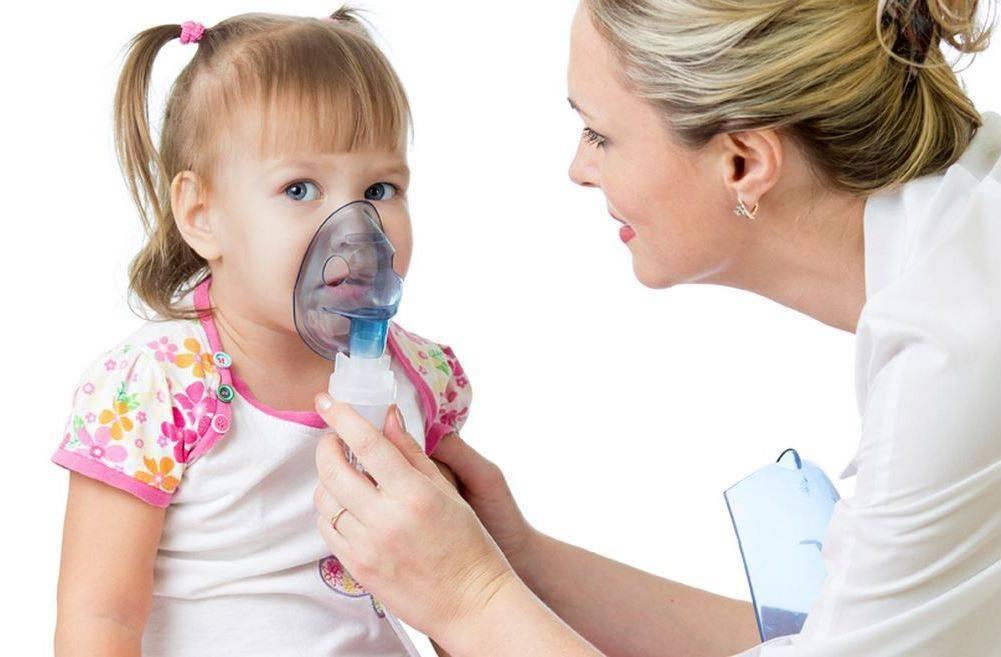 Ингаляции при насморке небулайзером для носа: с чем делать - с каким лекарством, чем заливать ингалятор взрослому и ребенку - рецепты средств