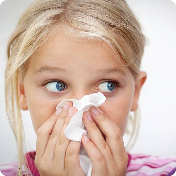 Кровь из носа при насморке. что нужно делать?