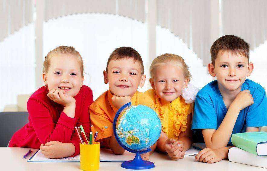 Как научить детей дружить со сверстниками: советы психологов