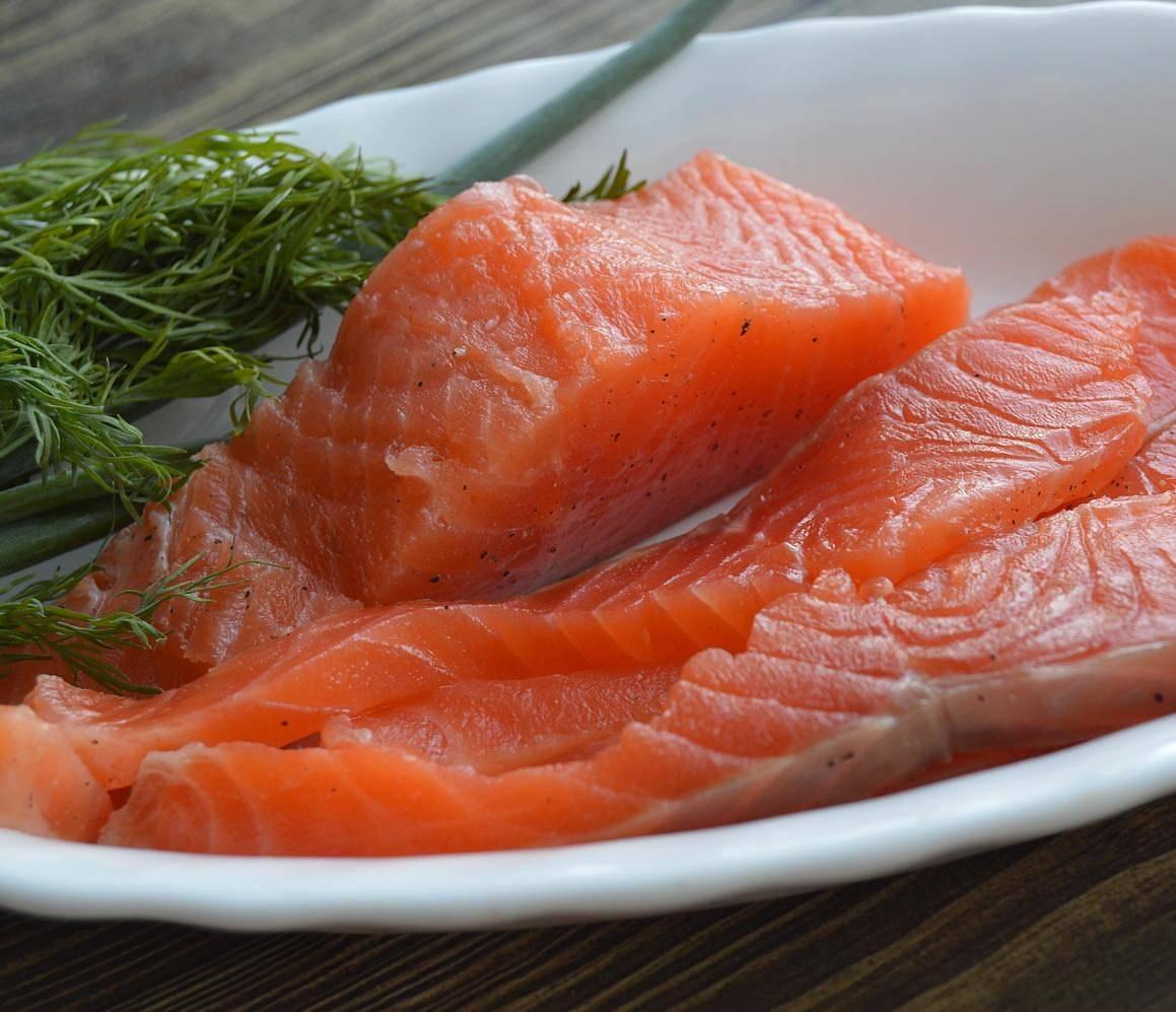 Можно ли заморозить соленую красную рыбу и каковы условия её хранения | моя кухня