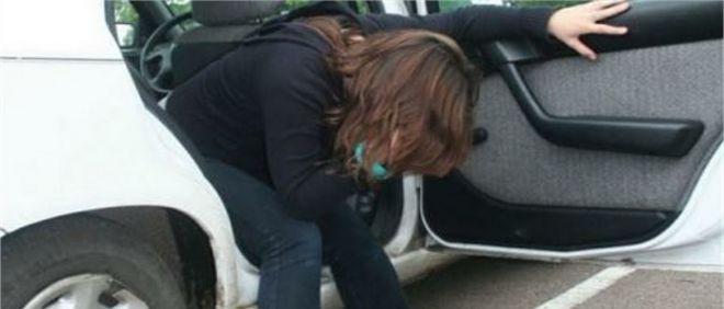 Ребенка укачивает в машине: почему и что делать