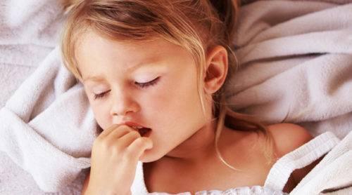 Ребенок часто дышит во сне: почему и что делать
