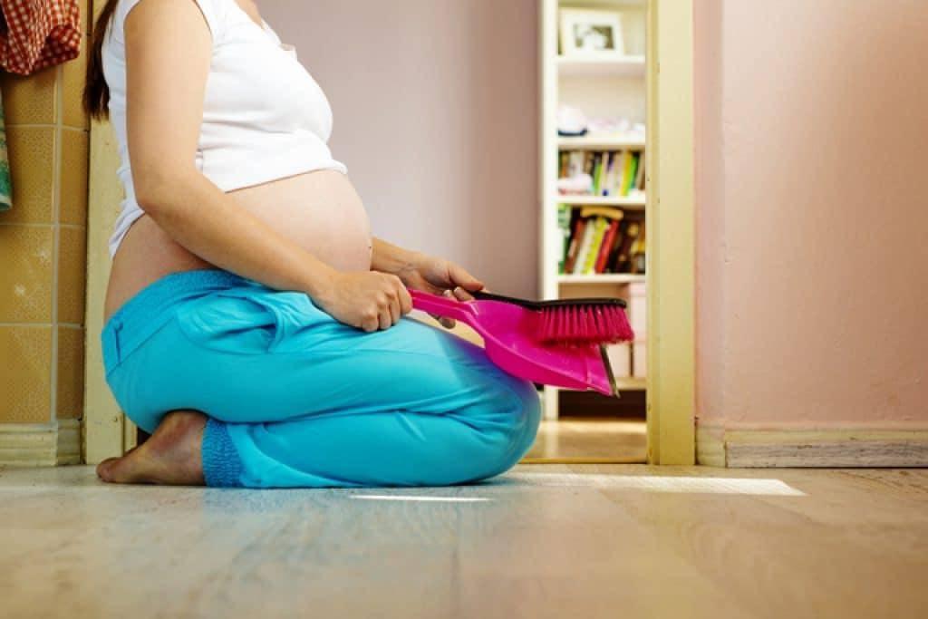 Почему беременным нельзя поднимать тяжелое: какие последствия могут быть от поднятия тяжестей? - об алкоголе