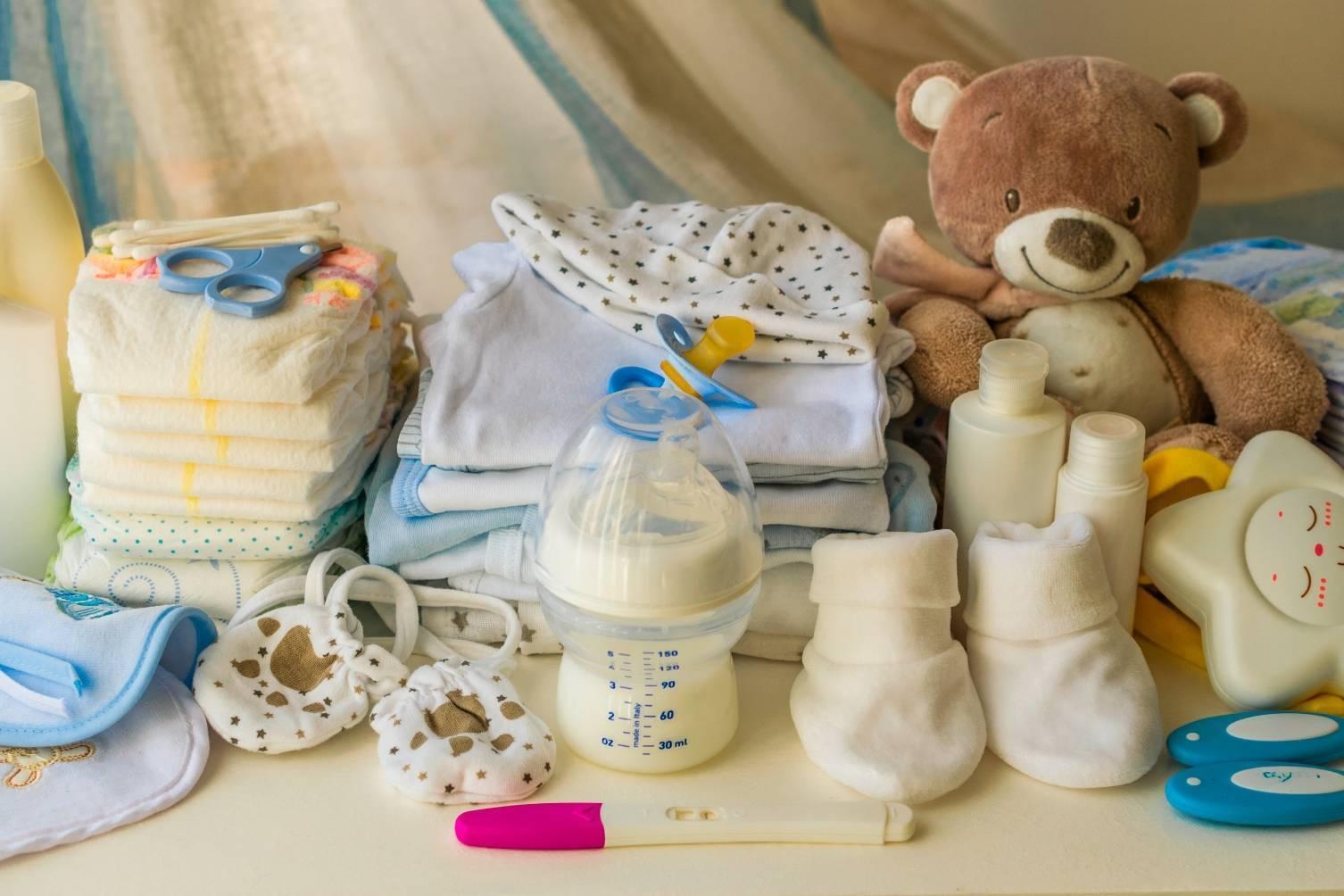 Новорожденный ребенок – искусственное и грудное вскармливание новорожденных, купание, уход за новорожденным в первый месяц жизни. как одевать новорожденного?
