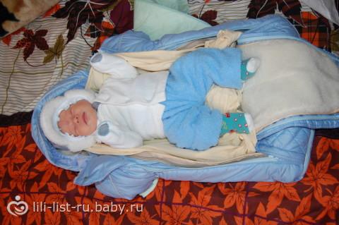 Когда можно гулять с новорожденным после роддома: летом, зимой - первая прогулка