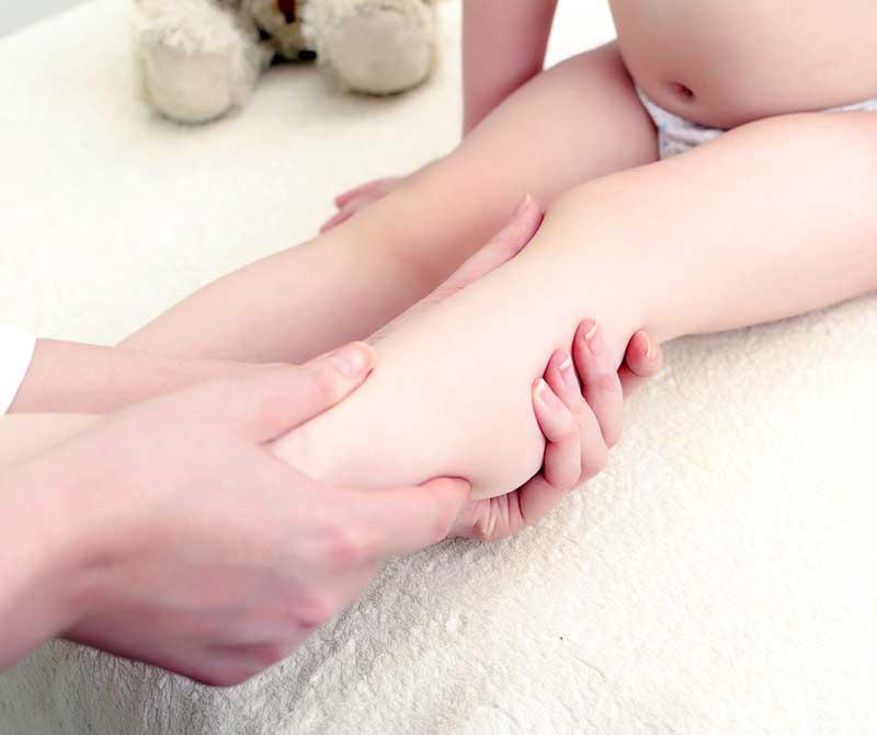Косолапость у детей: врожденная, приобретенная, признаки, лечение