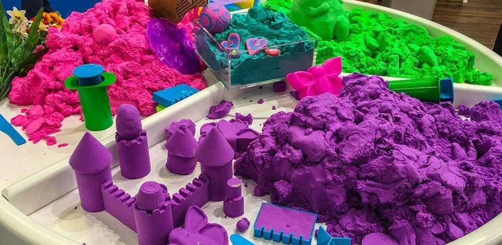 """Детский кинетический нерассыпающийся песок для лепки: что это такое и в чем отличия от других видов? конспект """"опыты с песком"""" занятие: «песочные прятки»."""