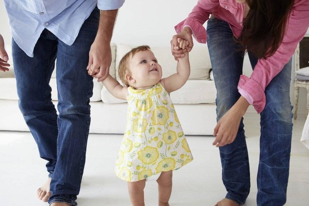 Как научить ребенка ходить? как сделать первые шаги? советы и упражнения
