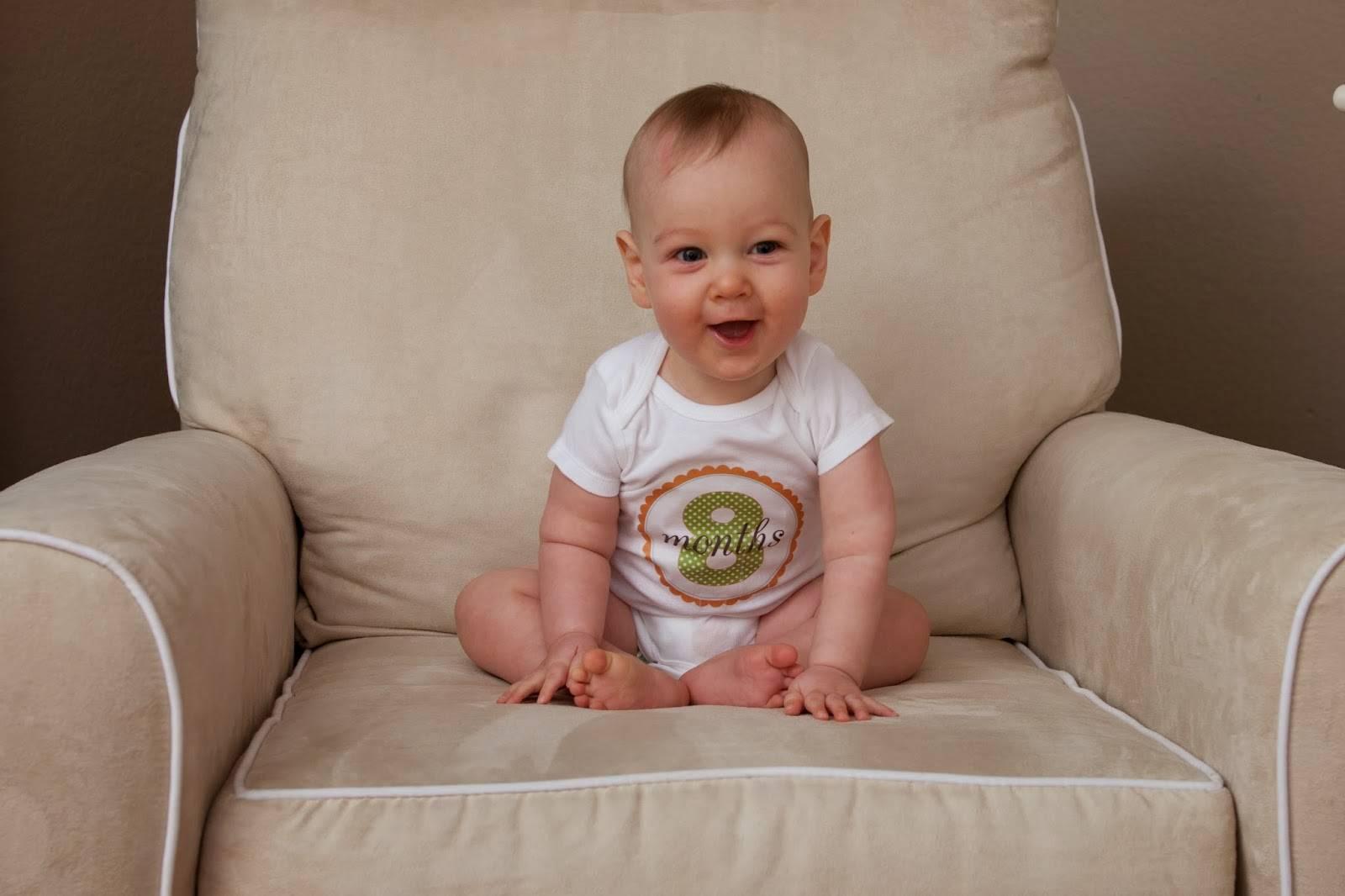 Как ребенок садится. когда ребенок начинает самостоятельно сидеть: особенности формирования навыка у девочек и мальчиков по месяцам