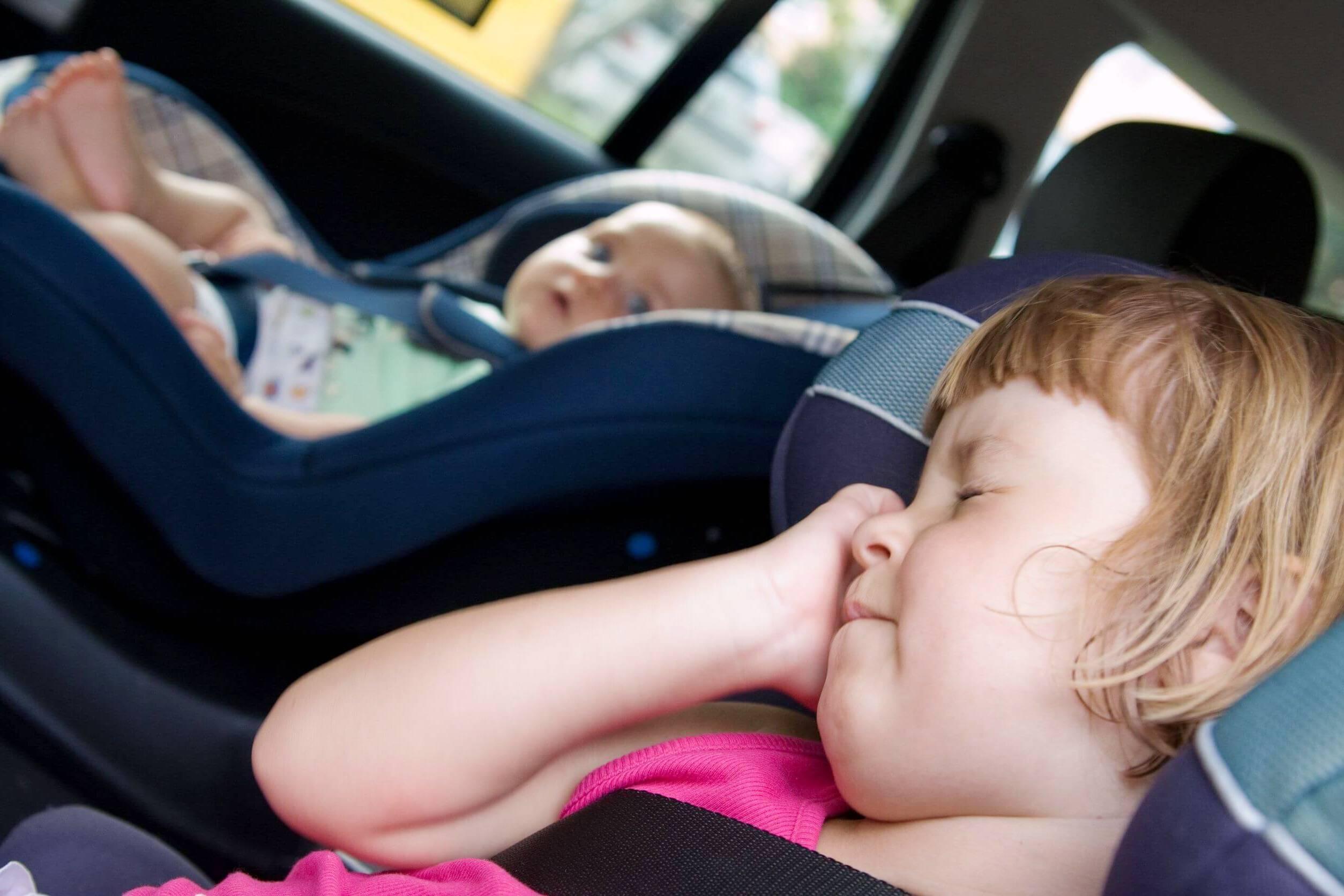 Что делать, если ребенка укачивает?