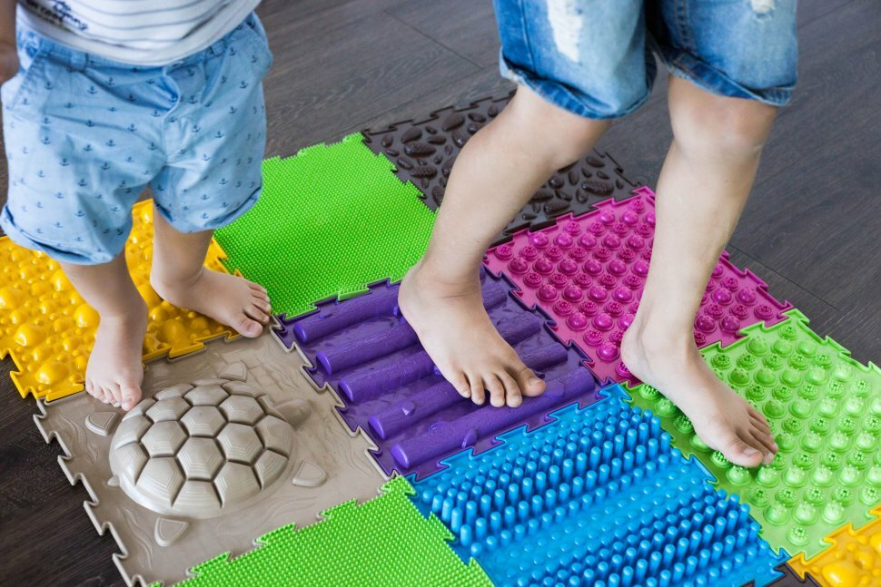 Массажный коврик для лечения плоскостопия