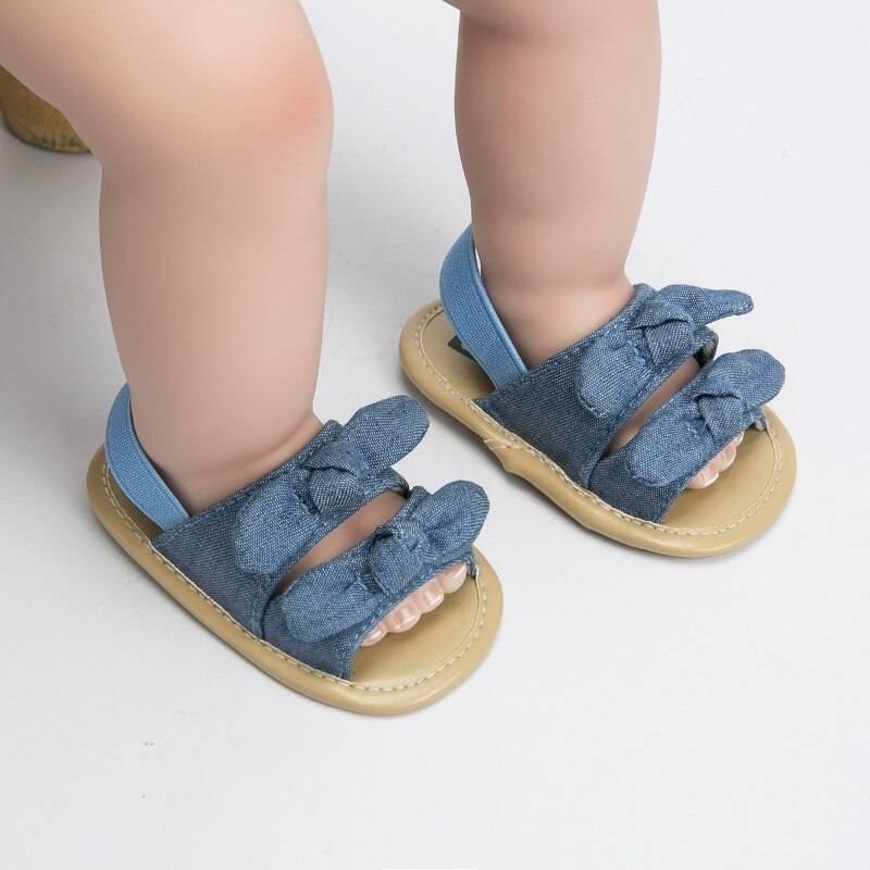 Первые шаги: как выбрать самую лучшую обувь для ребенка, начинающего ходить? как выбрать первую обувь для малыша.