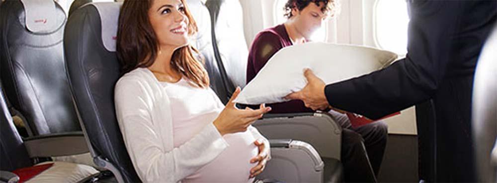 Перелеты во время беременности на самолете: 1, 2, 3 триместр, есть ли опасность
