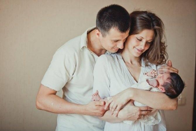 Почему нельзя показывать новорожденного до 40 дней, когда можно показать друзьям? | семейные правила и ценности | vpolozhenii.com