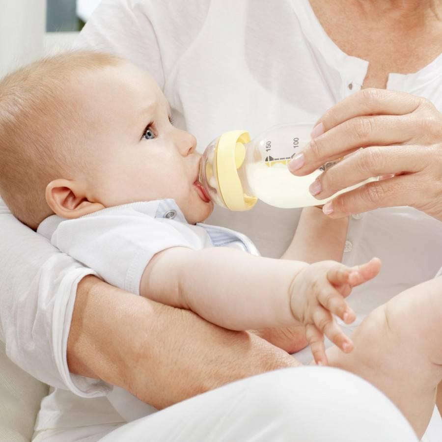 Искусственное вскармливание ребенка: плюсы и минусы, лучше молоко или смесь