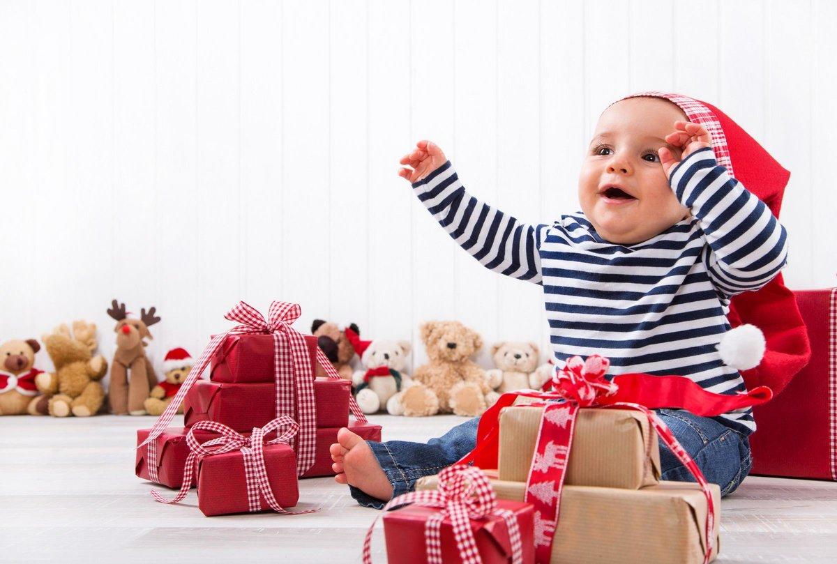 Что подарить мальчику на 10 лет: идеи подарков на любой вкус и кошелек